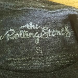 the rolling stones Tops - The Rolling Stones gray graphic band tee S